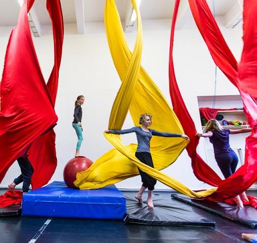 Cirqueon ve spolupráci s Jedličkovým ústavem pořádá cirkusový workshop pro děti s tělesným postižením