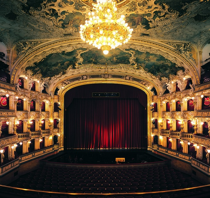 Rada schválila pronájem divadla v Karlíně Státní opeře