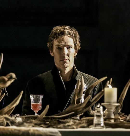 Do kin přichází senzace z NT Live: Hvězdný Cumberbatch v roli Hamleta