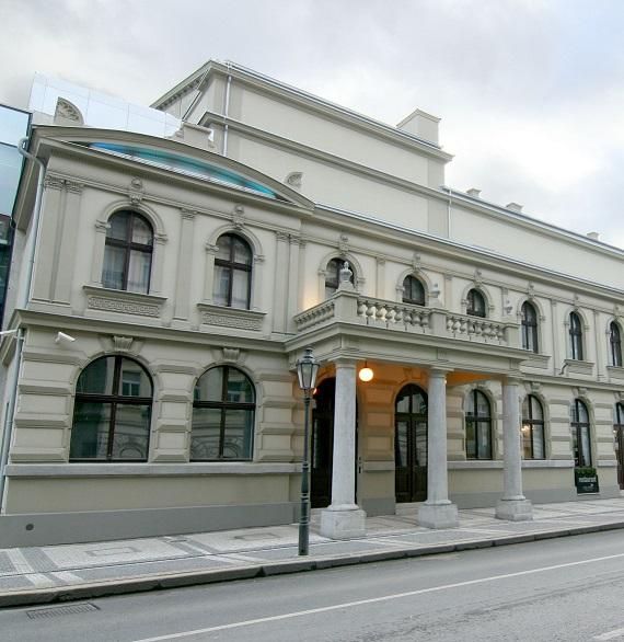 Opera se po dobu rekonstrukce Státní opery přesune do Karlína