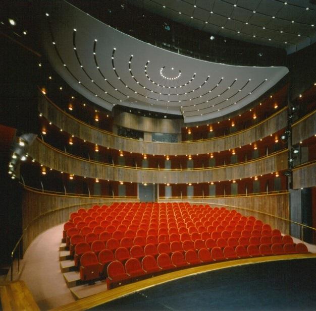 Poslední premiérou Horáckého divadla bude drama Země je kulatá