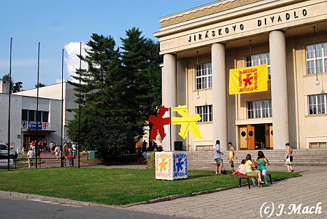 Jiráskův Hronov nabídne v hlavním programu 20 inscenací