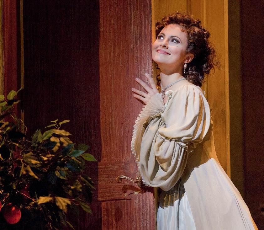 Kontroverzní operu nahradí v kinech Lazebník sevillský, nejpopulárnější komická opera na repertoáru Met, s excelentní Isabel Leonard