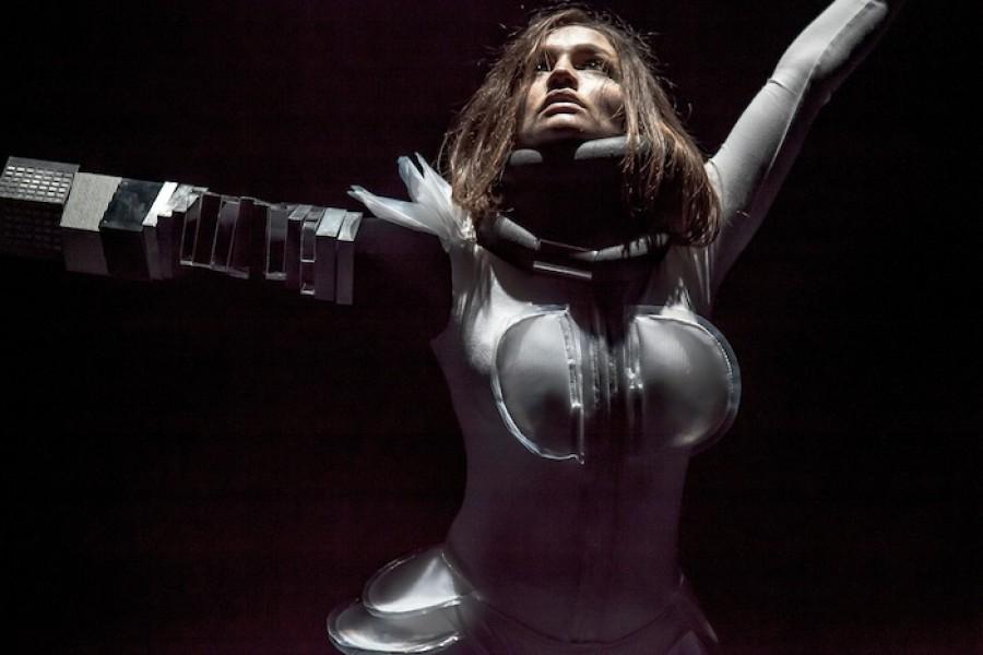 Performerka Jana Vrána uvede v NoD svou představu vesmíru