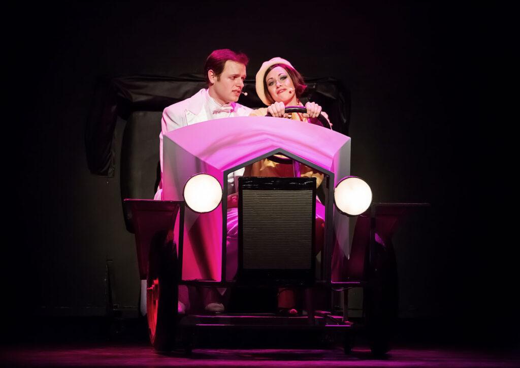 Jihočeské divadlo uvede muzikál Zpívání v dešti