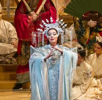 """Pyšnou princeznu v Zeffirelliho Turandot z Met ztvární """"oscarová"""" pěvkyně Nina Stemme"""