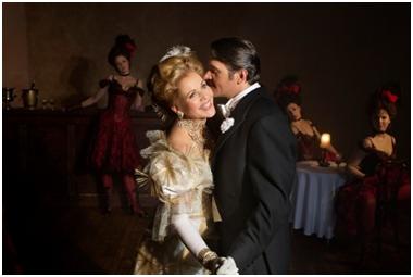 Veselá vdova a Hoffmannovy povídky: svěží vítr z Broadwaye a kafkovské fantazie v lednových přenosech z Met
