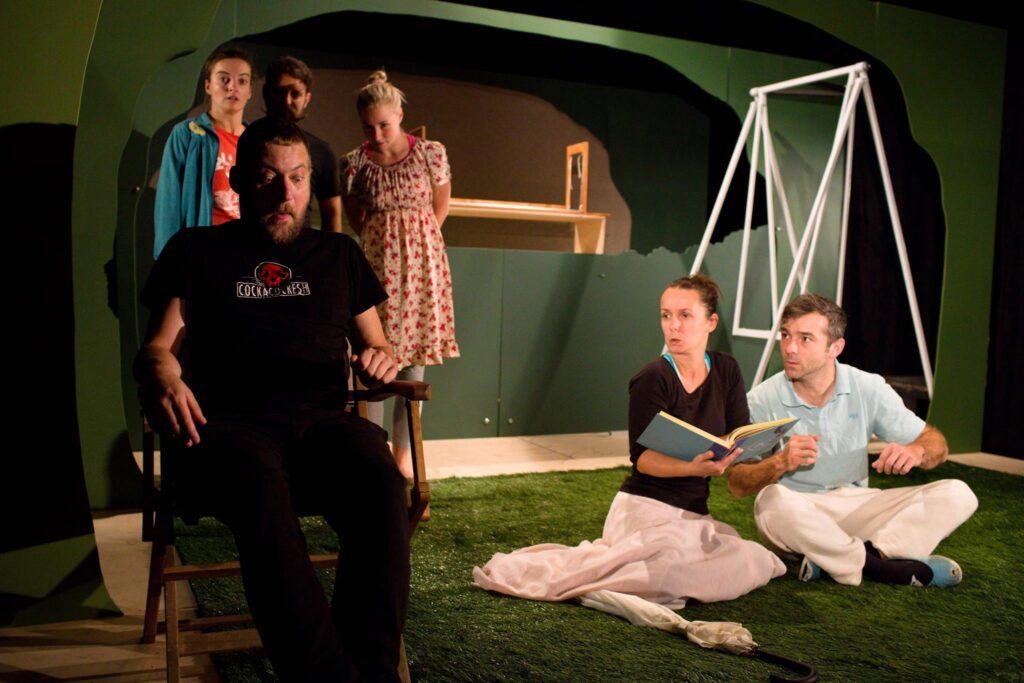 První premiérou Divadla Drak v sezóne 2016/17 bude inscenace TIK TAK TIK TAK