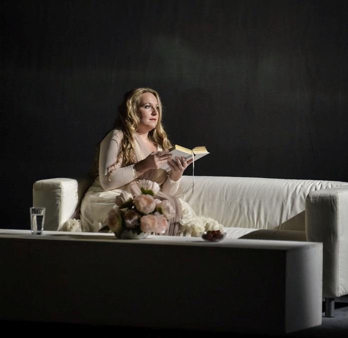 Divadlo J. K. Tyla uvede operu  Evžen Oněgin
