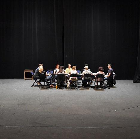 Sex noci svatojánské zahájí novou sezonu Horáckého divadla