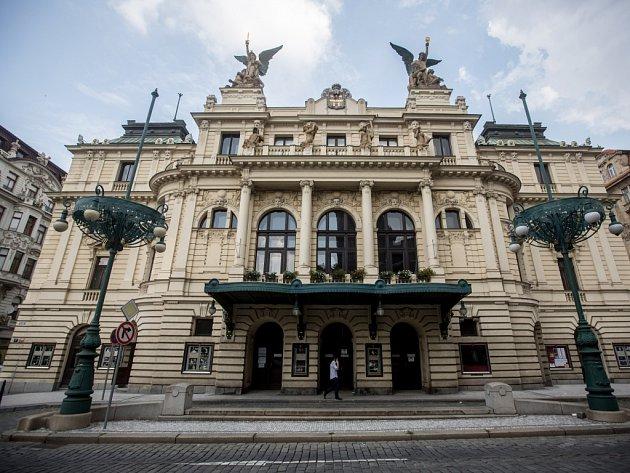Nové jeviště pro Divadlo na Vinohradech vyjde asi na 300 milionů
