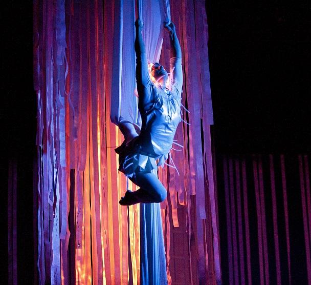 Divadlo Na Fidlovačce se promění v magický les Shakespearova Snu noci svatojánské