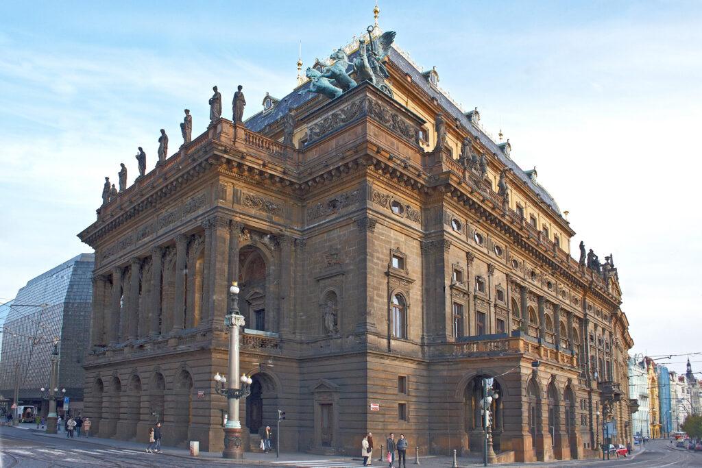 Národní divadlo uvede v příští sezoně 21 premiér