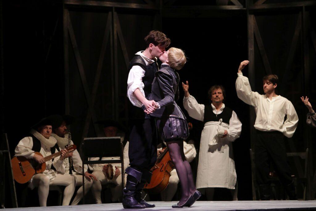 Národní divadlo moravskoslezské uvede adaptaci filmu Zamilovaný Shakespeare