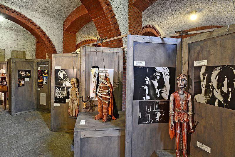Výstava České loutkové divadlo 3 x jinak se připojí k akcím na počest zapsání českého a slovenského loutkářství UNESCO