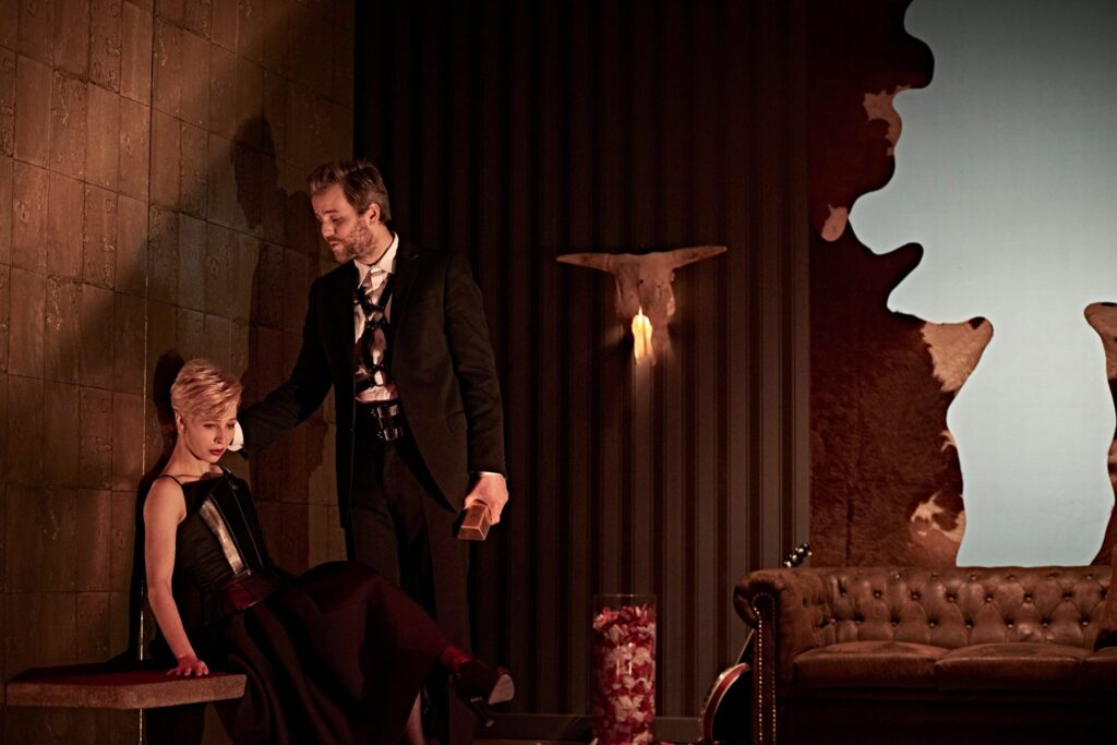 Divadlo Na zábradlí uvede premiéru autorské inscenace režiséra Davida Jařaba Macbeth – Too Much Blood