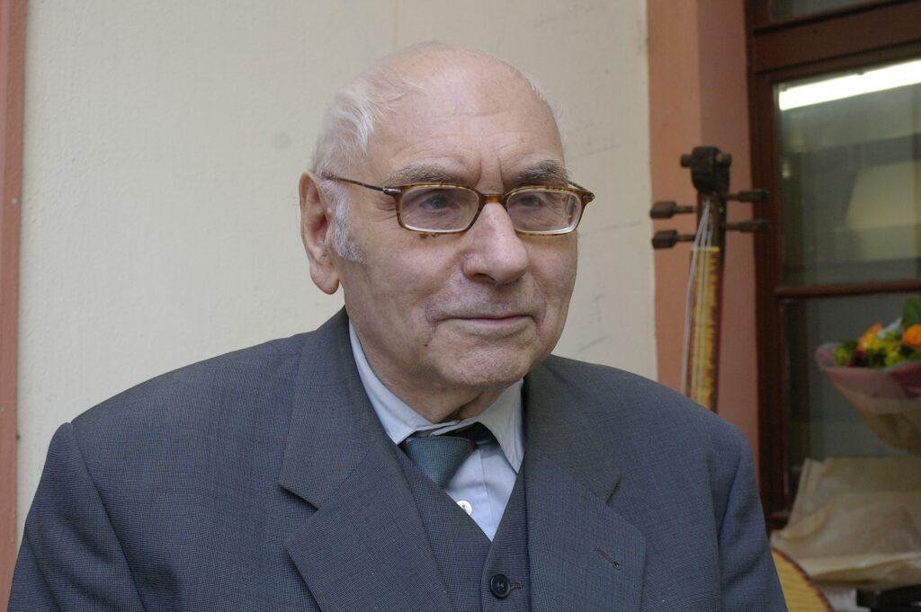 Zemřel teatrolog a divadelní historik PhDr. Adolf Scherl, CSc.