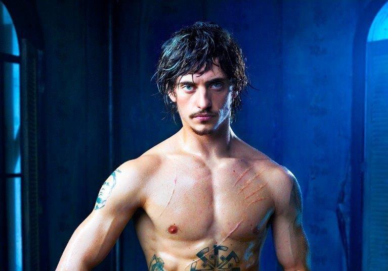 Tetování, drogy a baletní špičky. Do kin na jediný týden vstoupí příběh rebela Sergeje Polunina