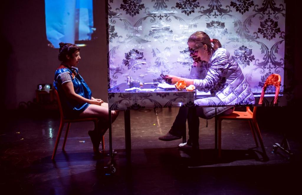 Mexická umělkyně Cristina Maldonado nabízí v inscenaci Stereopresence výpravu do paralelního vědomí