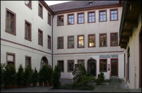 Prázdninový provoz v Institutu umění – Divadelním ústavu