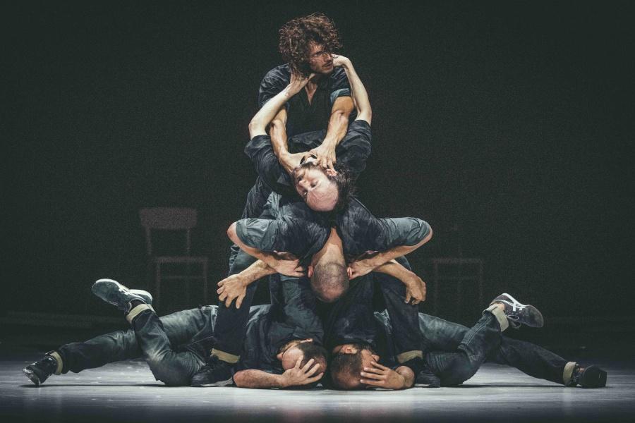 Hvězdou festivalu TANEC PRAHA je Sidi Larbi Cherkaoui. Jeho tvorba inspirovala motto celé akce: Tancem proti předsudkům
