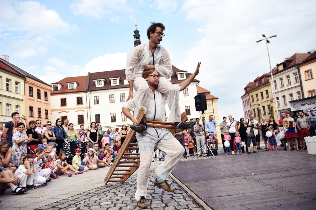 Divadelní festival v Hradci Králové se přehoupl do druhé poloviny