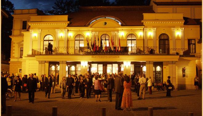 Hradecký divadelní festival uvede v osmi dnech stovky představení
