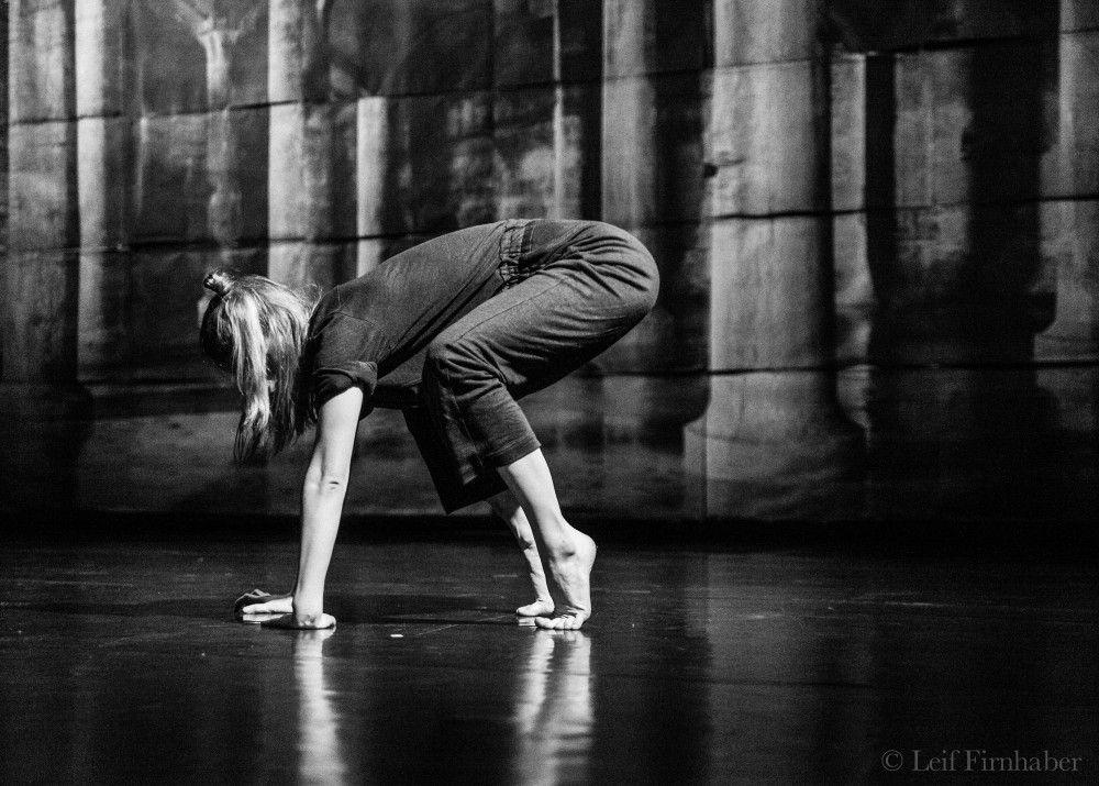 Na hranicí žánrů divadla, tance, instalace a site-specific: Nultý bod již podeváté