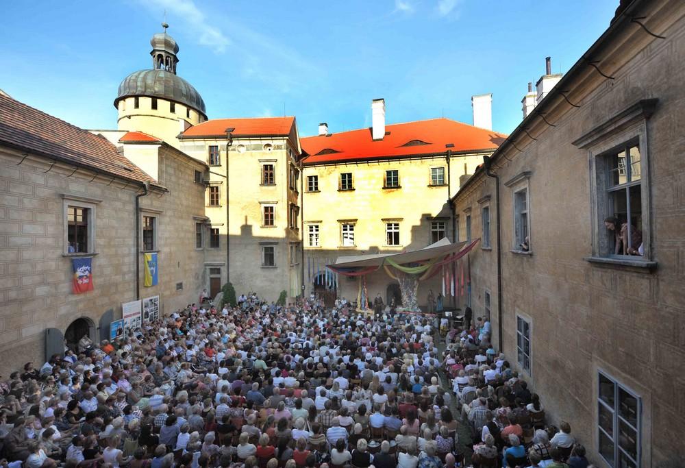 Operní pěvec chystá poslední benefiční koncert pro Grabštejn