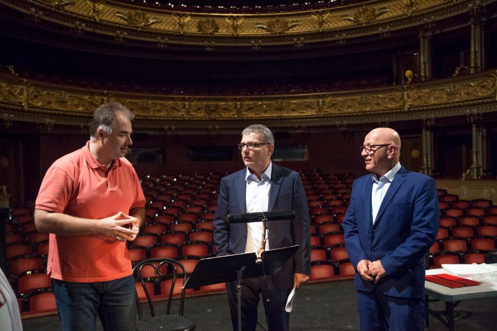 Odboráři kritizují politizování Zaorálkovy návštěvy v divadle