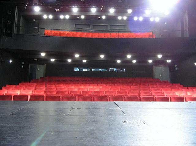 Divadlo Komedie se definitivně zařadí pod Městská divadla pražská
