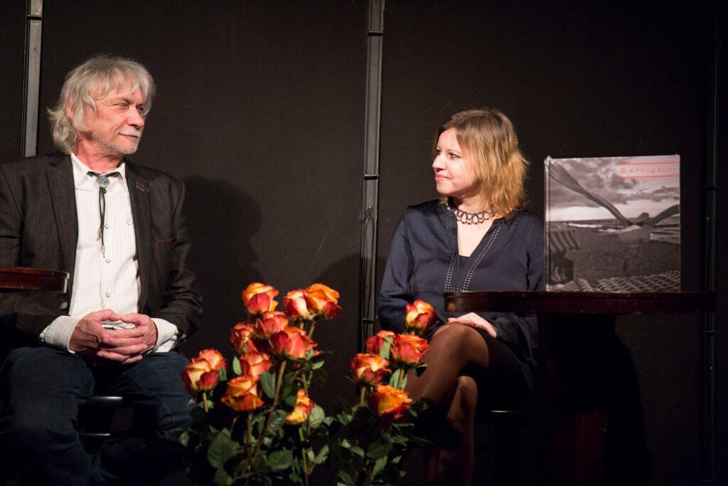 Publikace Viktor Kronbauer: Divadelní fotografie získala Cenu Divadelních novin