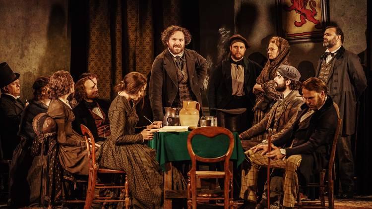 Mladý a neklidný Marx roztočí necudný večírek v novém londýnském divadle