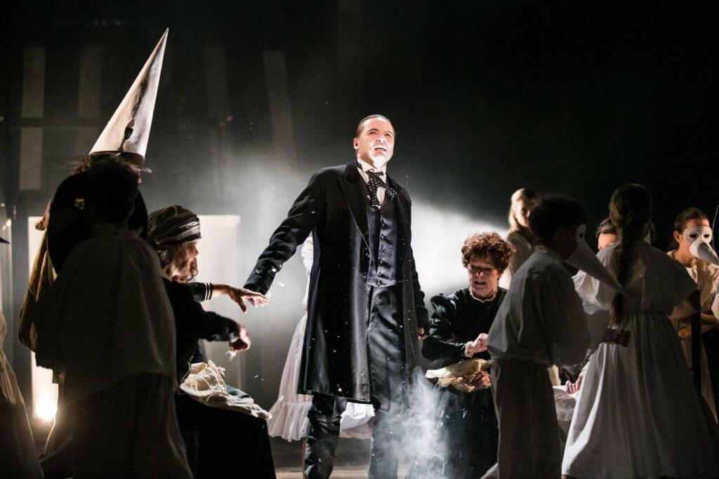 Východočeské divadlo se po Vánocích rozloučí s hrou o Jakubu Janu Rybovi