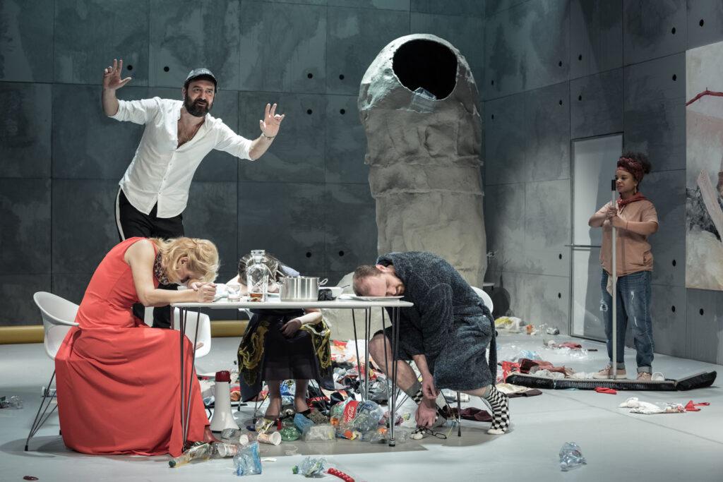 Živý obraz v Jihočeském divadle v režii Petra Zelenky