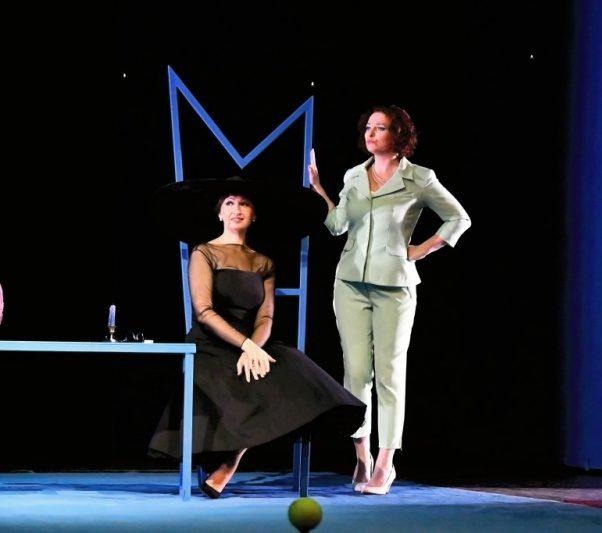 Divadlo F. X. Šaldy v Liberci zasadilo děj Smetanovy opery do prostředí tenisového kurtu