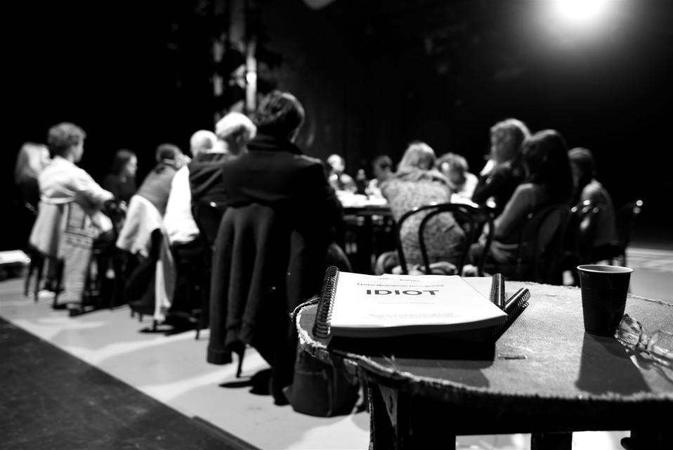 Adaptaci Dostojevského románu Idiot připravuje pro Městská divadla pražská režisér Pavel Khek