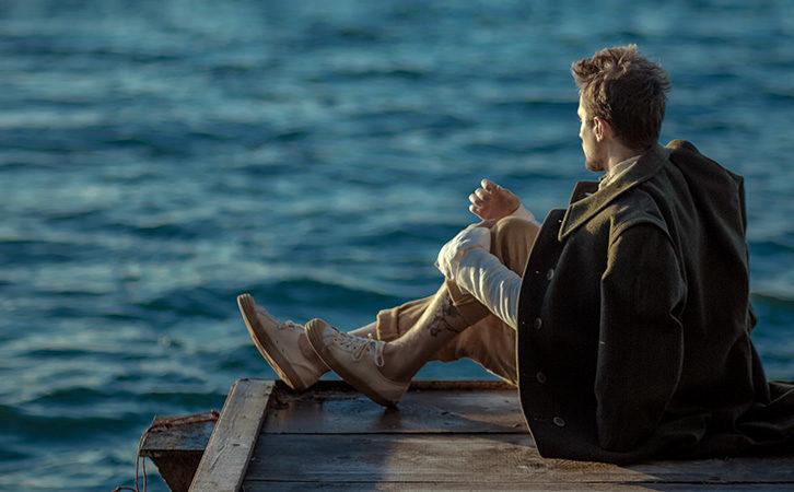 Brittenova opera Billy Budd o nevinnosti i potlačované sexualitě poprvé v Česku