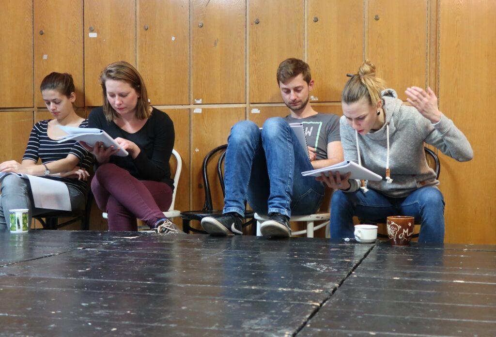 Novou sérii scénických čtení Městského divadla Zlín zahájí oceněným textem Identity
