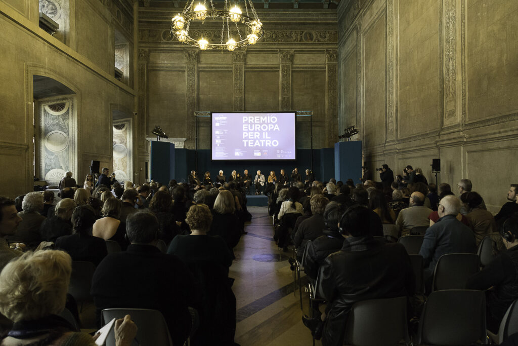 Evropská divadelní cena pro Isabelle Huppertovou a Jeremy Ironse