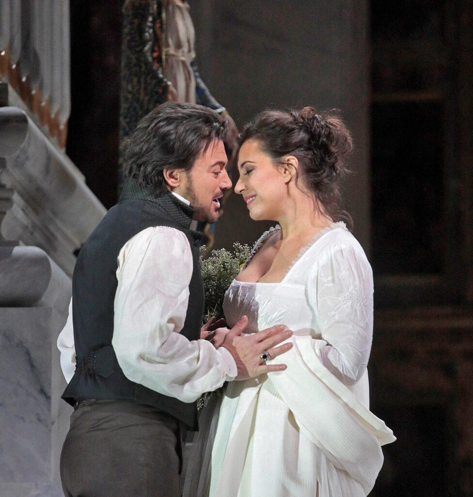 Tosca s Jončevou triumfuje v Met i přes výměny pěvců a sexuální skandál