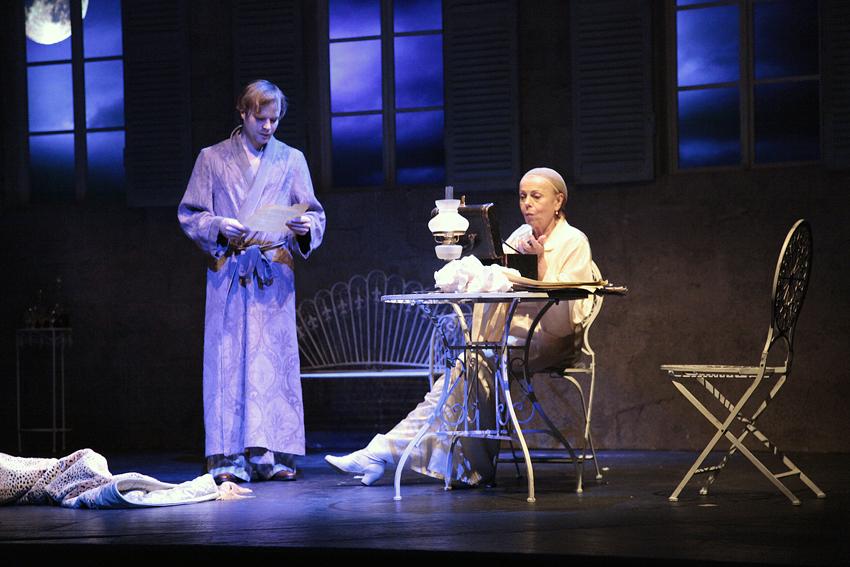 Iva Janžurová se objeví v divadle Kalich ve své hře Veletoč