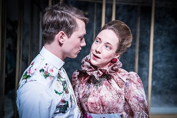 Dorian Gray ožije ve Švandově divadle jako lovec zážitků