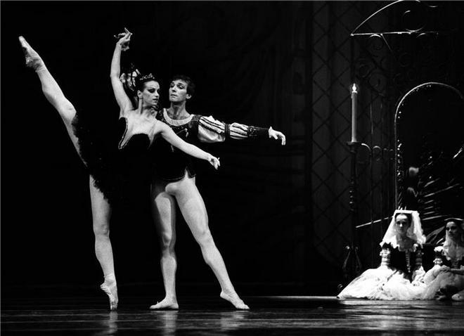 Mimořádnou Výroční cenu portálu Opera Plus dostala někdejší primabalerína NárodníhodivadlaMichaela Černá