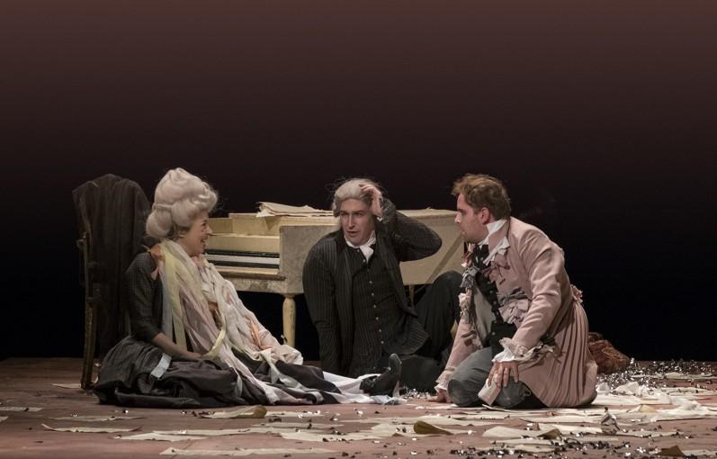 Česká televize uvede 5. února záznam inscenace Amadeus z Divadla na Vinohradech
