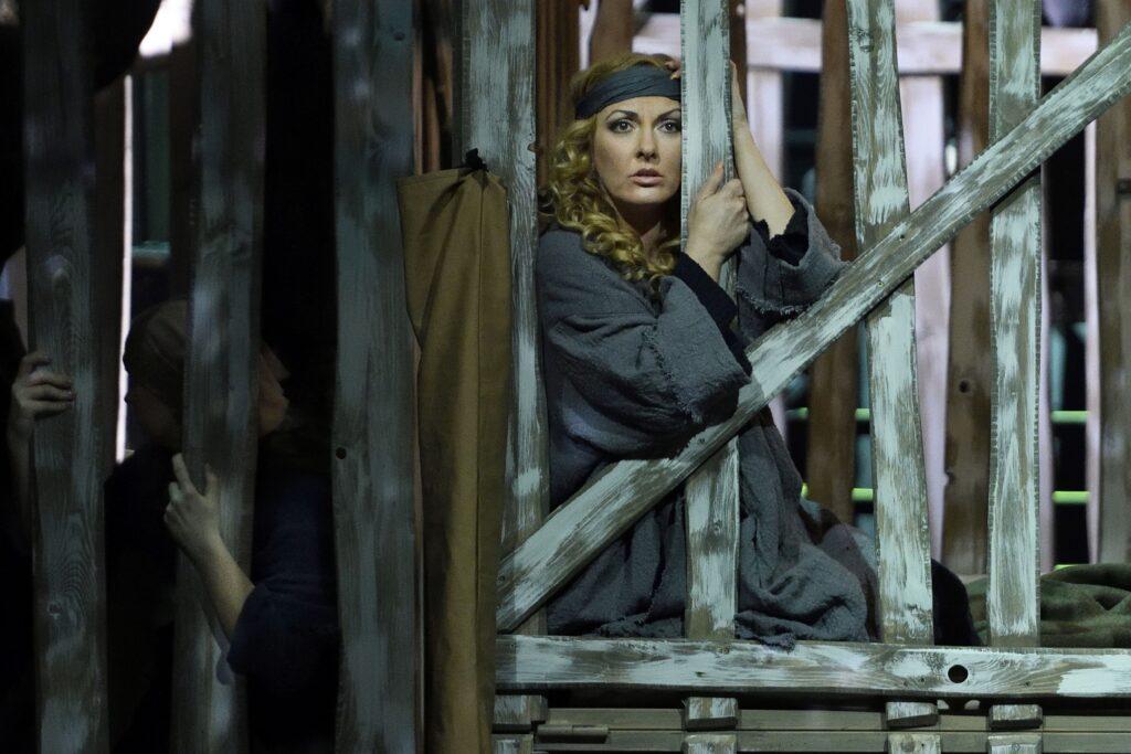 Soubor opery Národního divadla moravskoslezského se rozhodl zařadit do repertoáru dílo Dmitrije Dmitrijeviče Šostakoviče Lady Macbeth Mcenského újezdu