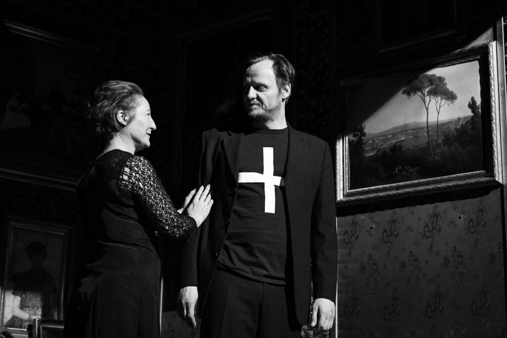 Divadlo Na zábradlí uvede premiéru dramatizace provokativního románu Thomase Bernharda Mýcení