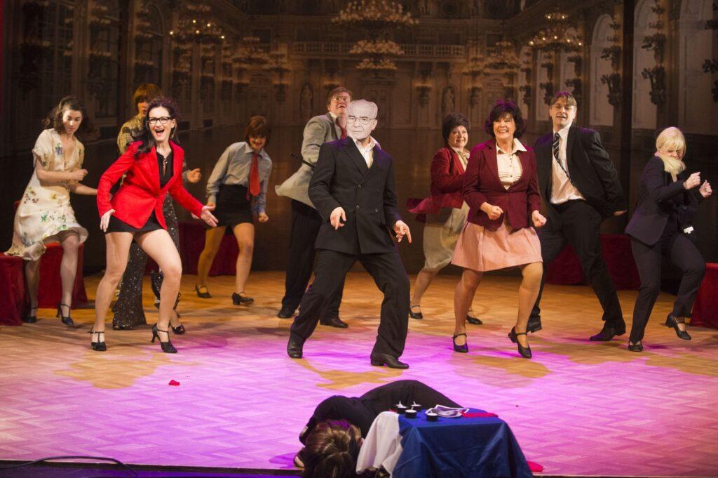 Východočeské divadlo si premiérou Tančírny připomene sté výročí vzniku republiky