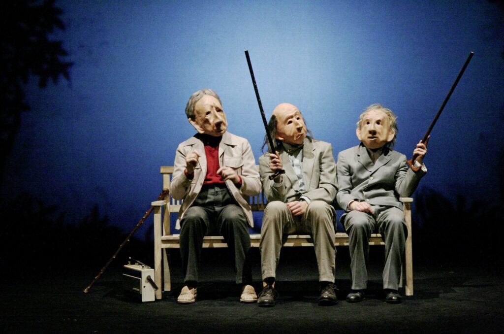 Světoznámé divadlo masek opět v Praze