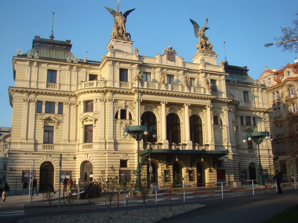 Oprava Divadla na Vinohradech bude trvat jeden až dva roky